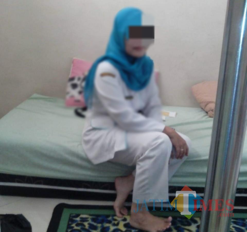 ASN yang dilaporkan suaminya karena kumpul kebo dengan pria lain. / Foto : Istimewa / Tulungagung TIMES