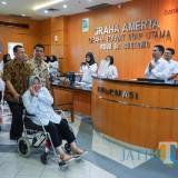 Wali Kota Risma saat baru keluar dari rumah sakit