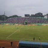 Suasana pertandingan Arema FC vs Persipura (Hendra Saputra)