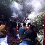 Tradisi ulur-ulur diperingati empat desa di sekitar Telaga Buret Campurdarat / Foto : Istimewa / Tulungagung TIMES