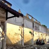Biar Pengunjung Nyaman , 20 Kios Pasar Sayur Kota Batu Dibongkor