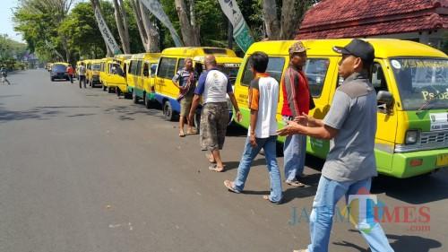 Lindungi Sopir Angkot, Wali Kota Probolinggo Janjikan Aplikasi Online