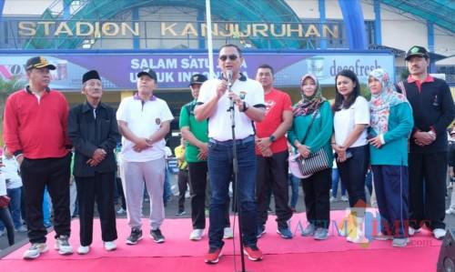 Kapolres Malang AKBP Yade Setiawan Ujung meminta maaf kepada masyarakat Kabupaten Malang  dalam Hari Bhayangkara Ke-73. (Nana)