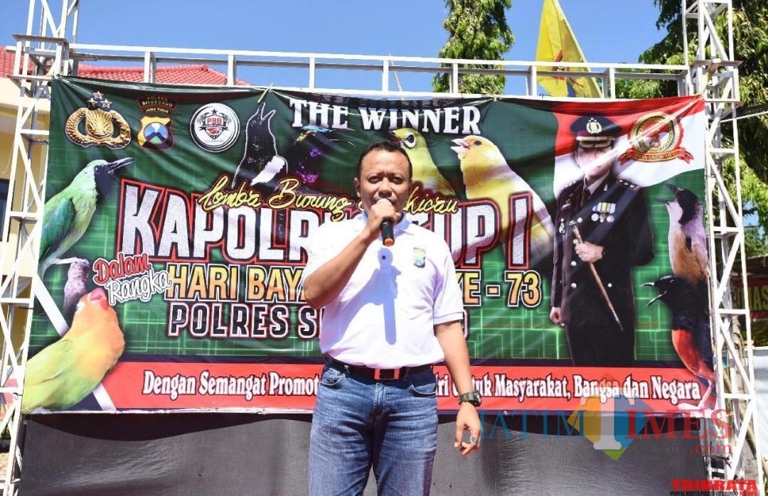 Kapolres saat memberikan sambutan pada lomba burung (Foto Heru Hartanto/ Situbondo TIMES)