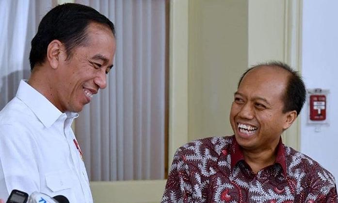 Momen Jokowi saat bersama Sutopo Purwo Nugroho. (Foto: instagram @Jokowi)