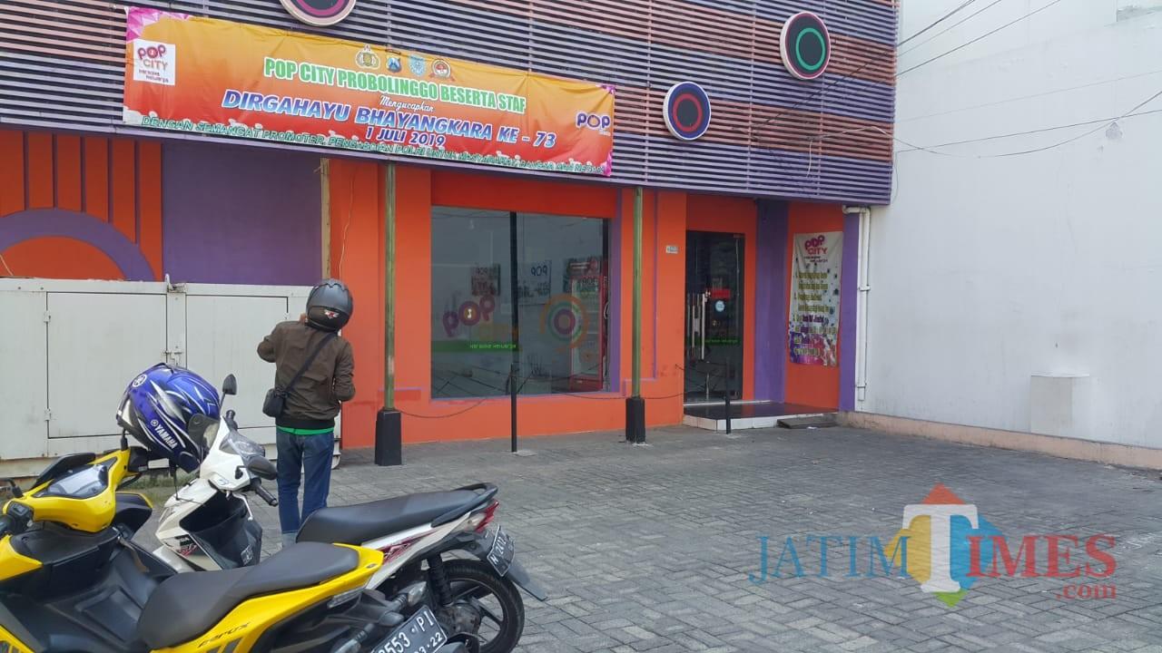 Tempat hiburan malam karaoke keluarga Pop City, lengang  setelah dilarang beroperasi alias ditutup (Agus Salam/Jatim TIMES)