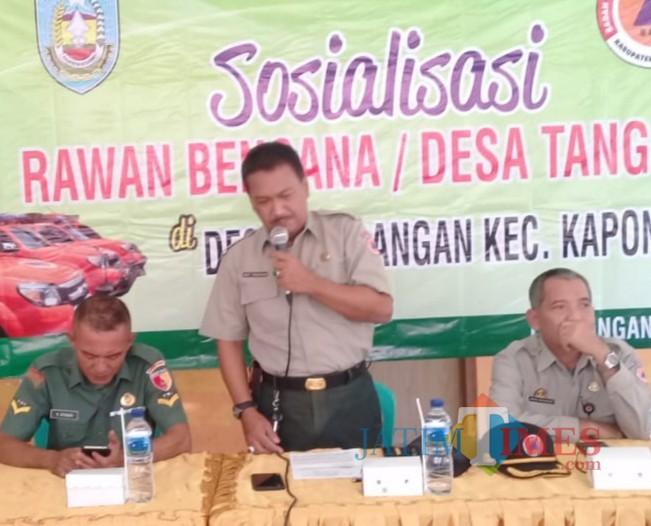 Gatot saat sosialisasi Rawan Bencana Desa Tangguh (Foto: Sony Haryono/ SitubondoTIMES)