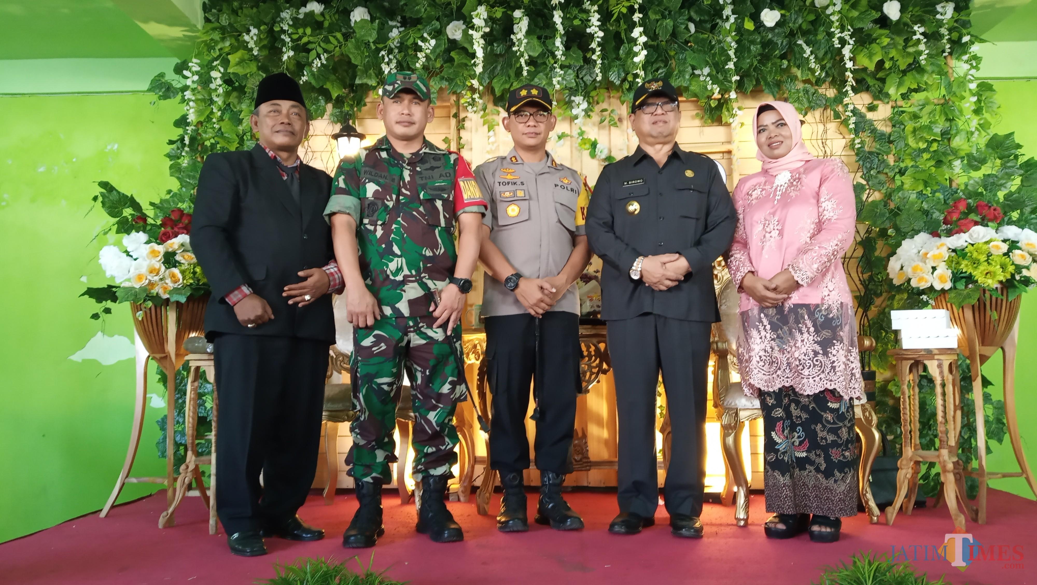 Kapolres Tulungagung,  AKBP Topik Sukendar (tengah) (foto :  joko pramono/jatimtimes)