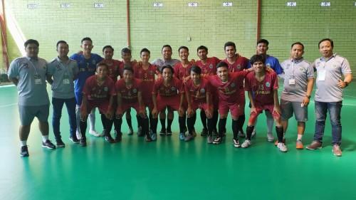 Tim futsal putra Kota Malang beserta pelatih dan official (Humas KONI Kota Malang)