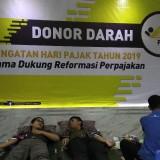 Kegiatan donor darah sebagai rangkaian Pekan Pajak di Kantor Kanwil DJP Jatim III di Kota Malang. (Foto: Nurlayla Ratri/MalangTIMES)