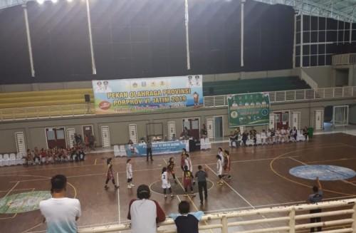 Suasana pertandingan basket tim Putri Kota Malang (Humas KONI Kota Malang)