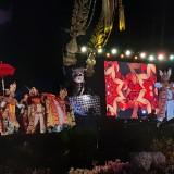 Pertunjukan kisah perjalanan Prabu Lasem dari tim Kesenian Bali Sanggar Paripurna dalam Festival Panji Nusantara 2019 (Arifina Cahyanti Firdausi/MalangTIMES)