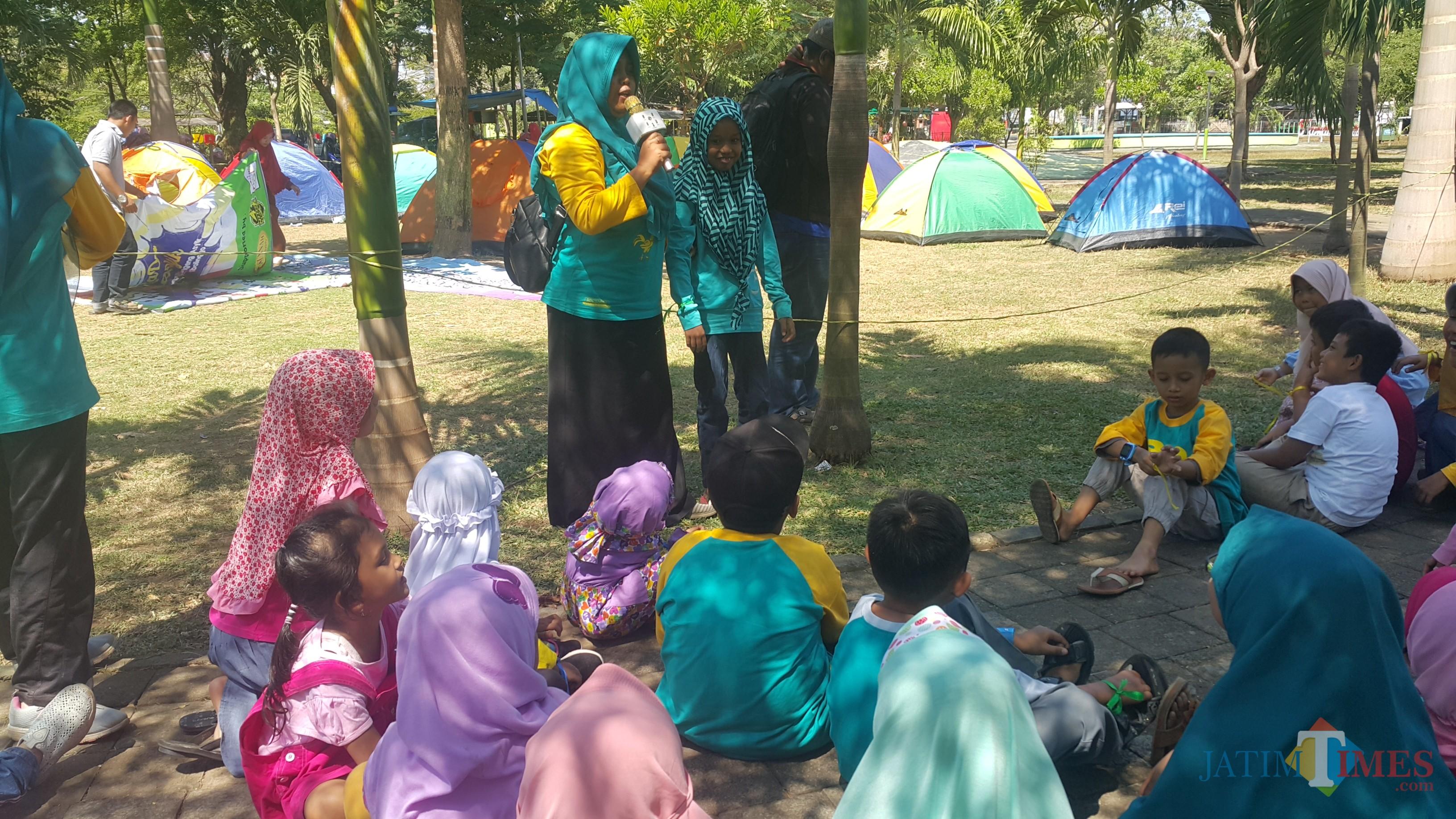 Anak-anak yang tergabung dalam Komunitas, mengikuti acara yang digelarnya (Agus Salam/Jatim TIMES)