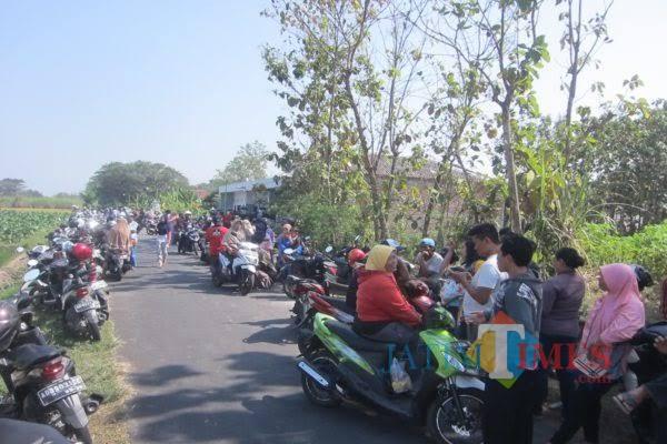 Para mitra yang menggeruduk perusahaan di Jawa Tengah / Foto : Solopos / Tulungagung TIMES