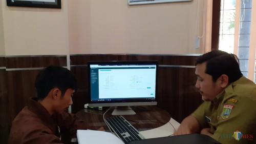 Layanan Online Single Submission (OSS) di DPMPTSP Kabupaten Malang (Pipit Anggraeni/MalangTIMES).