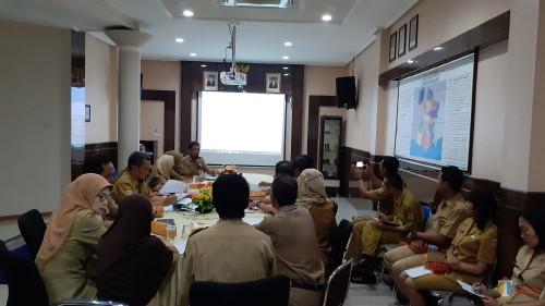 Rapat Koordinasi antar OPD di DPMPTSP Kabupaten Malang untuk evaluasi Peraturan Bupati tentang perizinan dan nonperizinan (Pipit Anggraeni/MalangTIMES)