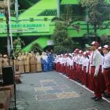 Wali Kota Malang Sutiaji saat sidak MOS di SDN Kauman 1. (Foto: Imarotul Izzah/MalangTIMES)