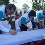 Wali Kota Risma bersama Wakil Ketua KPK Saut Situmorang.
