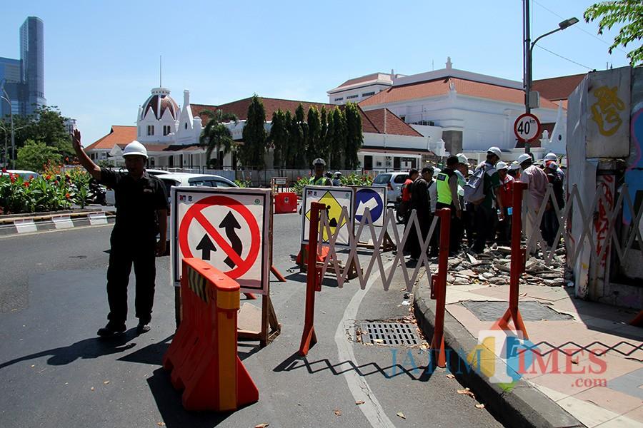 Pengecekan utilitas di Jalan Yos Sudarso