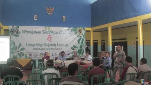 Workshop Sertifikasi Organik yang digelar Pemdes Gogodeso (Foto : Aunur Rofiq/BlitarTIMES)