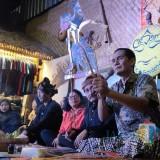 Padhang Bulan, Mengulik Komik Raksasa Candi Jago hingga Wayang Malangan