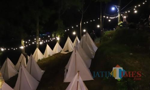 Salah satu wisatadalam paket wisata Bumiaji Asyik diSecret Valley, Poh Kecik, Desa Gunungsari, Kecamatan Bumiaji.