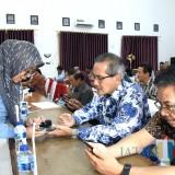 Sekda Kota Kediri Budwi Sunu saat hadir dan juga menjadi salah satu responden di Mapolresta Kediri. (eko Arif s/JatimTimes)