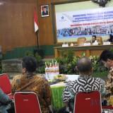 Suasana sosialisasi pembudayaan kegemaran membaca yang dilakukan oleh Perpusnas di ruang Bung Tomo Kantor Pemkab Jombang. (Foto : Adi Rosul / JombangTIMES)