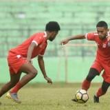 Agil Munawar (kanan) saat menjalani latihan bersama Arema FC (istimewa)