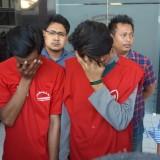 Dua pelaku dewasa yang diamankan Satreskrim Polrestabes Surabaya.
