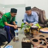 Ra Ghufron bersama Ketua PWNU Jatim Kiai Marzuki Mustamar