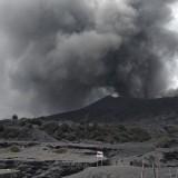 Situasi saat Gunung Bromo erupsi pada Maret 2019 lalu. (Foto: Nurlayla Ratri/MalangTIMES)