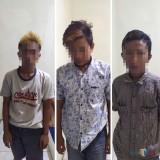 Ketiga tersangka kasus persetubuhan dan pencabulan terhadap remaja putri dibawah umur saat diamankan polisi (Foto : Humas Polres Malang for MalangTIMES)