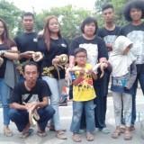 Anggota TEAm saat gathering di alun-alun Tulungagung (foto : Joko Pramono/Jatim Times)