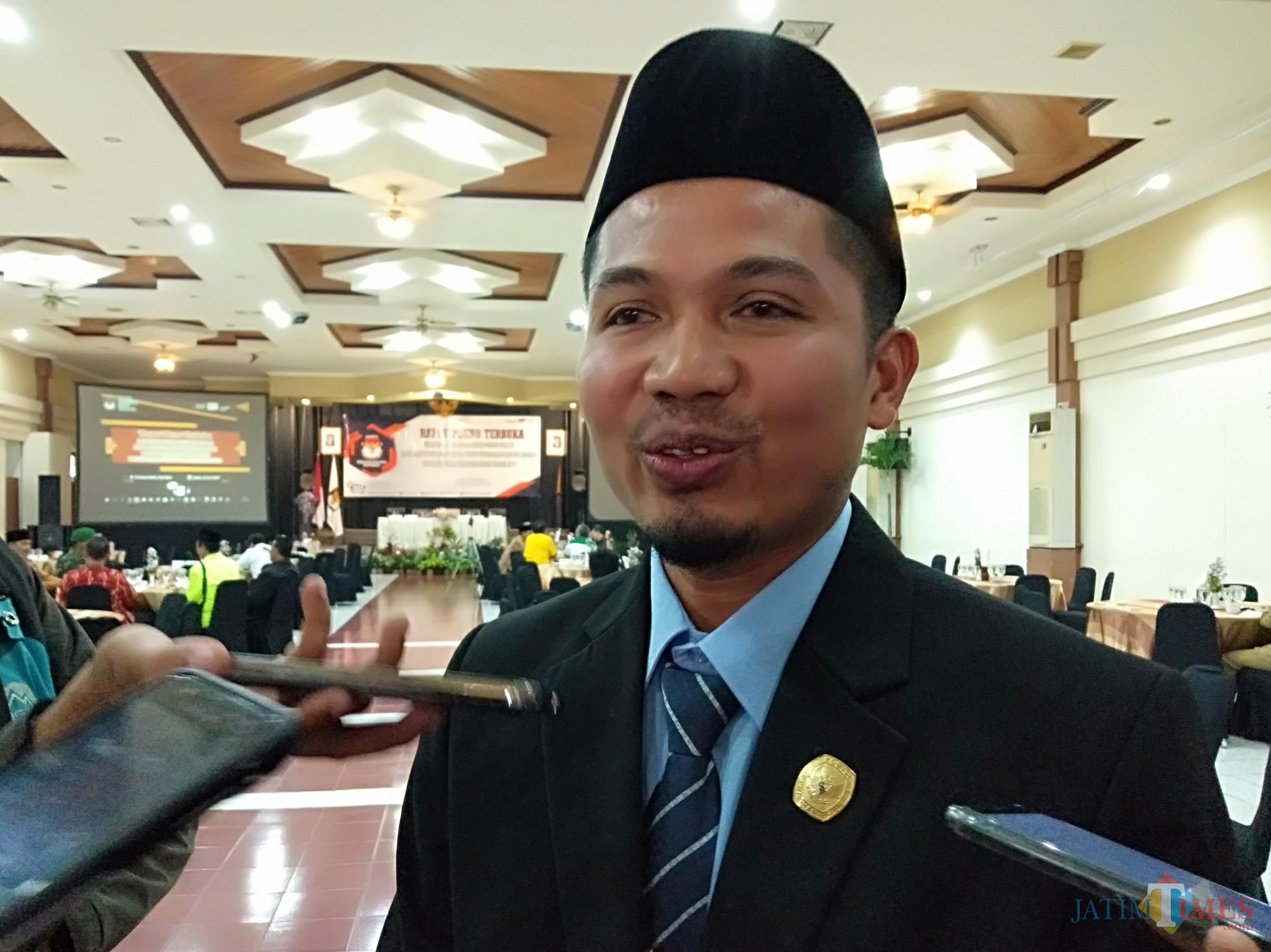 Ketua KPU Kota Batu, Mardiono. (Foto: Irsya Richa/MalangTIMES)