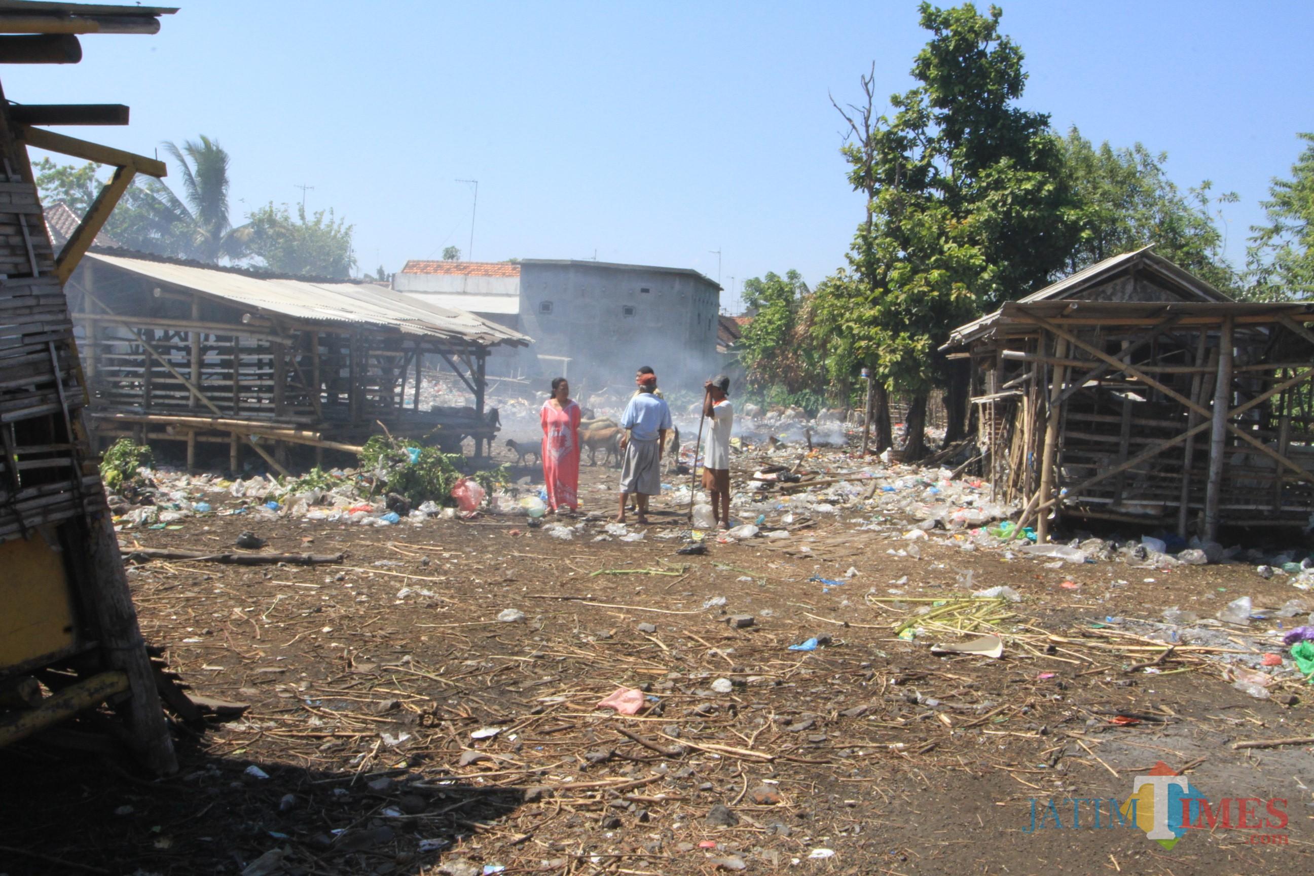Lahan yang  diresahkan warga karena dijadikan tempat membakar sampah (Agus Salam/Jatim TIMES)