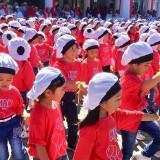 Ribuan pelajar Kota Batu saat melakukan tari kolosal di halaman Balai Kota Among Tani, Senin (22/7/2019). (Foto: Irsya Richa/MalangTIMES)
