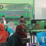 Susasana pelatihan yang diberikan oleh LPPM UNHASY kepada para guru MI dan MA Al-Asy