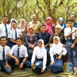Bupati Blitar melaunching Program Fam Trip Paket Wisata Pelajar.(Foto : Malik Naharul/BlitarTIMES)