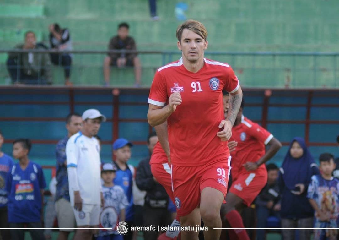 Gelandang asing Arema FC, Pavel Smolyachenko (official Arema FC)