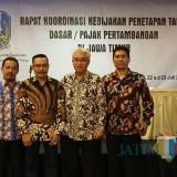 Moch. Sofyanto (No 2 dari kiri) bersama sejumlah pejabat Pemkab Lumajang yang hadir dalam Rakor (Foto : Moch. R. Abdul Fatah / Jatim TIMES)