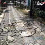 Paving blok yang rusak di PINKA. (foto : Joko Pramono/Jatim Times)