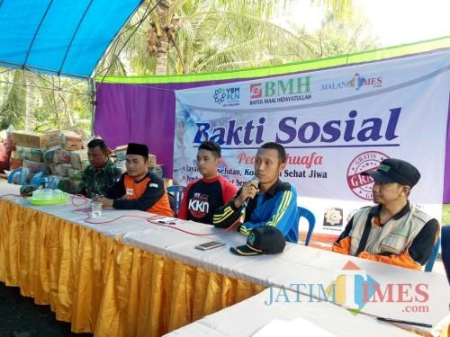 Tim BMH Malang saat pembukaan acara baksos di Dusun Licin, Desa Lebakharjo, Kabupaten Malang, Sabtu (20/7/2019) (Foto : Igoy/MalangTIMES)
