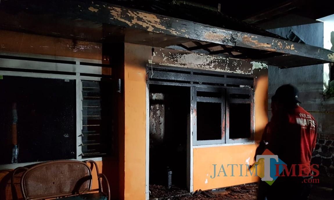 Kondisi rumah  diJalan Hasanuddin No 37 RT 2 RW 5 Desa Junrejo, Kecamatan Junrejo,setelah kebakaran Selasa (23/7/2019).