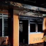 Kondisi rumah  di�Jalan Hasanuddin No 37 RT 2 RW 5 Desa Junrejo, Kecamatan Junrejo,�setelah kebakaran Selasa (23/7/2019).