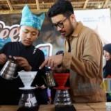 Muhammad Agha, saat memberikan petunjuk pengolahan kopi kelas barista