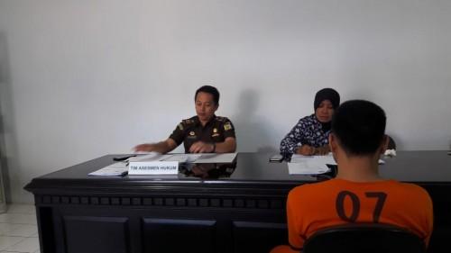 Tersangka kasus narkoba yang sempat berurusan dengan Polres Malang, saat menjalani serangkaian tes TAT di BNN Kabupaten Malang (Foto : Dokumen MalangTIMES)