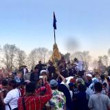 Keseruan Ribuan Warga Serbu Gunungan Tumpeng Buah dan Bunga Kirab Nyawiji Sengkuyung Bumiaji Kota Batu