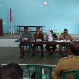 Perwakilan Kepala Desa menyampaikan hasil konsultasi dari PTUN dan UB. (eko Arif s /JatimTimes)