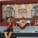 """Admin """"Nanti Kita Sambat Tentang Hari Ini"""" Bagi Tips Pasarkan Karya Lewat Jalur Indie di Malang"""